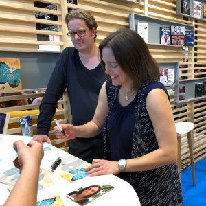 Signierstunde mit Michael Meisheit (aka Vanessa Mansini) am Amazon-KDP-Stand
